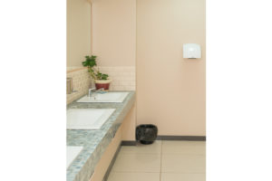 МОП 1 этаж - туалет